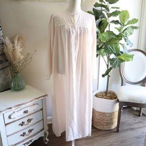 Vintage Oscar Dela Renta nightgown